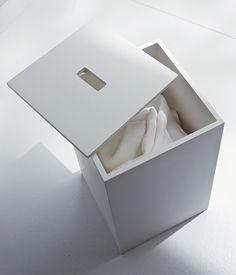 White laundry basket in Korakril by Italian brand Rexa design _