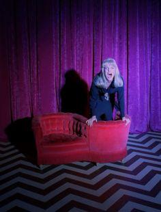 twin peaks is great Laura Palmer, Twin Peaks 1990, David Lynch Twin Peaks, David Lynch Movies, Between Two Worlds, Sea Wallpaper, Classic Tv, Film Stills, The Magicians