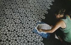 This take some serious effort but painting on concrete floor looks stunning. #CreativeFloor