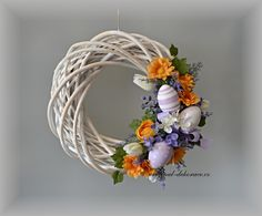 Easter Wreaths, Holiday Wreaths, Easter Gift, Easter Crafts, Grapevine Wreath, Burlap Wreath, Craft Room Tables, Seasonal Decor, Grape Vines