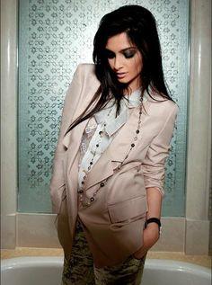 Sonam Kapoor's pics from Harper's Bazaar June 2009 | PINKVILLA