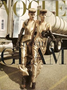 Magdalena Frackowiak and Maryna Linchuk by Steven Meisel Vogue Italia August 2007 Vogue Covers, Vogue Magazine Covers, Steven Meisel, Mallard, Andy Warhol, Fashion History, Fashion Art, Fashion Bible, Vogue Russia