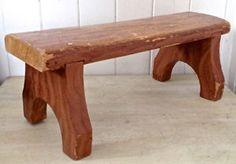 Antiquité. Collection. Magnifique petit banc en bois.