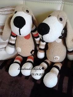 Tip a Tap je dvojica psíkov, ktorí potešia malých milovníkov psíkov. Psíkovia majú výšku 45 cm, sú vyrobení z kvalitnej 100%.. Snoopy, The Originals, Red, Character, Lettering, Rouge