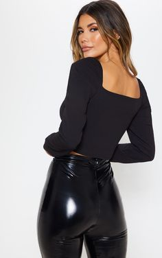Black long Sleeve Puff Sleeve Crop Top and glossy black PVC Pants Girl Fashion, Fashion Outfits, Womens Fashion, Shiny Leggings, Crop Tops, Long Sleeve Crop Top, Leather Pants, Jeans, Clothes
