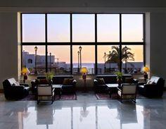 #Hotel #Creta #Maris are disponibile meniuri dietetice, seri tematice si mese romantice langa malul marii.