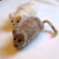 SEWNnatural » how to make a needle and wet felted waldorf mouse