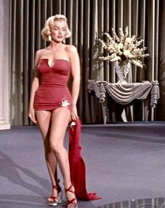 """Marilyn Monroe, """"How To Marry a Millionaire"""", Marilyn Monroe Stil, Marilyn Monroe Artwork, Marylin Monroe Body, Marilyn Monroe Swimsuit, Vintage Glamour, Vintage Beauty, Vintage Hollywood, Hollywood Glamour, Actrices Hollywood"""