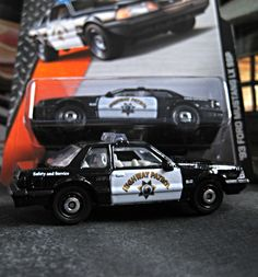 """'93 Ford Mustang LX SSP """"California Highway Patrol"""" Matchbox 1:64 Scale"""
