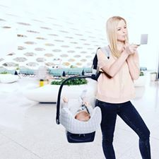 New to Cravings, The Coco Belt! If you own a baby car seat, you know how often you use it for short or longer walks and how heavy and tiring that is.