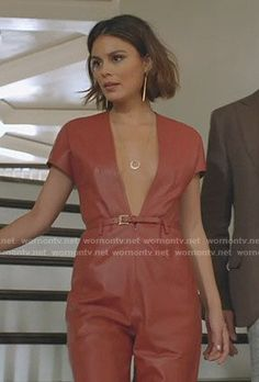 Cristal's brown leather plunge jumpsuit on Dynasty Short Balayage, Balayage Brunette, Fashion Tv, Fashion Outfits, Nathalie Kelley, Us Actress, Leather Jumpsuit, Iconic Dresses, Classy Casual