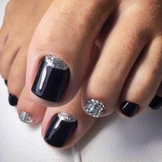 21 amazing toe nail colors to choose this season black toe nails 30 incredible toe nail designs for your perfect feet prinsesfo Gallery