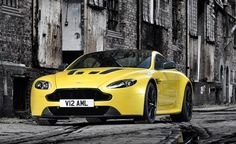 Discover the Beautiful Aston Martin Vantage S!!!