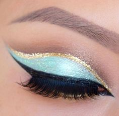 Baby blue and gold cut crease @JENNY