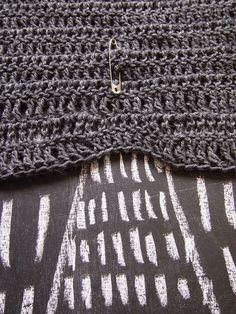Crochet dress showing a template pattern style. Drape Cardigan, Crochet Cardigan, Crochet Skirts, Crochet Clothes, Crochet One Piece, Knit Crochet, Beautiful Crochet, Asymmetrical Dress, Pattern Fashion