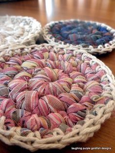 make your own crocheted rag coasters. beautiful, clear tutorial :)