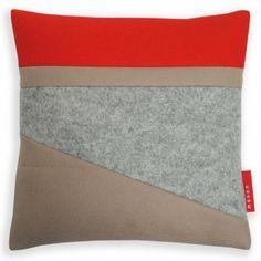 kussen 30 x 30 cm Lake rood zand
