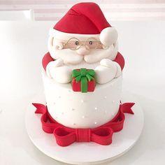Christmas Cake Designs, Christmas Cake Decorations, Christmas Cupcakes, Christmas Sweets, Holiday Cakes, Christmas Cooking, Christmas Design, Holiday Desserts, Xmas Cakes