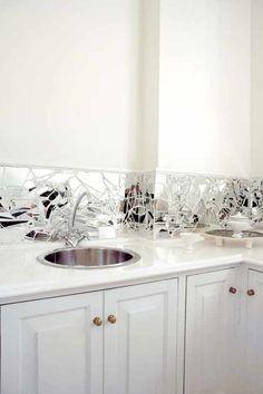 Broken mirror backsplash to kitchen or bathroom. I like it a lot! Mirror Backsplash Kitchen, Backsplash With Dark Cabinets, Kitchen Backsplash, Backsplash Ideas, Kitchen Mirrors, Mirror Splashback, Copper Backsplash, Beadboard Backsplash, Mosaic Backsplash