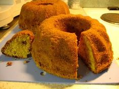 Marianne-kuivakakku Fruit Bread, Baked Donuts, Little Cakes, Trifle, No Bake Desserts, Coffee Cake, Cornbread, Muffin, Goodies