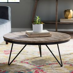 Vintage Home Decor For More Traditional Interior Design Round Wood Coffee Table, Garden Coffee Table, Home Coffee Tables, Coffee Table Wayfair, Round Coffee Table, Decorating Coffee Tables, Mesa Sofa, Black And White Living Room, Home And Deco