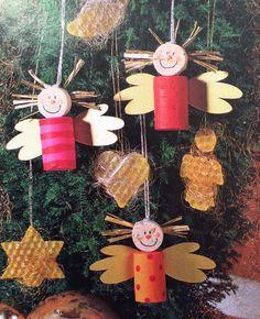 Engel aus korken und christbaumschmuck aus bienenwachsplatten