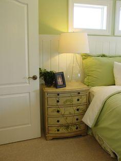 Peindre des meubles en bois sur pinterest reindre des meubles en bois meub - Comment peindre un lit en bois ...