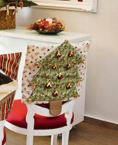 Christmas Crafts, Christmas Decorations, Christmas Ornaments, Holiday Decor, Chair Covers, Free Sewing, Diy For Kids, Shabby, Throw Pillows