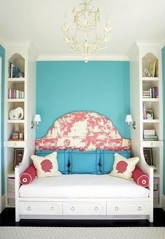 Toile (loving built-ins and faux daybed)