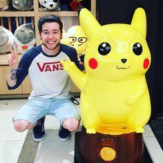 DanTDM found a Pikachu at Disney World!