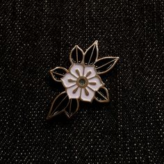 Image of Flower pin