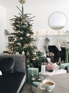 Simple + Beautiful Christmas Decorating Ideas - The Inspired Room Live Christmas Trees, Christmas Mood, Christmas 2019, Christmas Ideas, Simple Christmas, Merry Christmas, Xmas, Christmas Inspiration, Room Inspiration