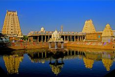 Ekambareswarar Temple, Tamil Nadu The Ekambareswarar temple is the largest temple in the holy city of Kanchipuram, Tamil Nadu. The Temple is dedicated to Lord Shiva. It stretches in an area of 23 acres. The temple was built by Paranthaka Chola back in 650 A.D.