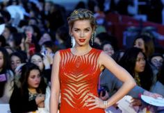 Great hair & make up Ana de Armas - Malaga Film Festival 2014 http://www.becauseiamfabulous.com/2014/03/ana-de-armas-wearing-zuhair-murad-malaga-film-festival-2014-closing-ceremony/