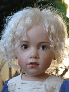 Life like child porcelain doll by Siu Ling Wang its darling but almost spooky real Reborn Toddler Dolls, Reborn Dolls, Bjd Dolls, Reborn Babies, Doll Toys, Reborn Silicone, Silicone Dolls, Lifelike Dolls, Realistic Dolls