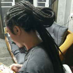 งานวันนี้ ลูกค้าขอไม่เนียนมาก เซอร์เบาๆ  100% Natural Hair  #BonitaDreadlocksThailand #DreadlocksPattayaThailand #dreadlockspattaya #Beautifulhair #Dreadhair #dready #dread  #dreadshead  #freelance #เดรดล็อค #Dreadlocks #pattaya #เดรดล็อคพัทยา #พัทยา #naturalhair #naturaldreads  https://www.facebook.com/profile.php?id=100014223727402  IG :  bonita_dreadlocks_thailand Call :  0877163384 ~ 0816583268 Line :  DreadlocksPattaya.th