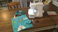 First Overlocker Project - Tote Bag on Lidl Singer Machine Overlock Singer, Serger Sewing Projects, Solar System Crafts, Overlock Machine, Kids Activity Books, Sewing School, Tote Tutorial, Bag Patterns To Sew, Sewing Patterns