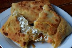 Γκιουζλεμέδες ή τηγανόψωμα καταπληκτικά !!!! Pita Recipes, Greek Recipes, My Recipes, Cooking Recipes, Favorite Recipes, Healthy Recipes, Cyprus Food, Turkish Recipes, Ethnic Recipes