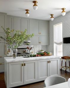 Farrow and Ball Hardwick White cabinets
