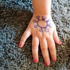 Ein einfacher Tipp, um Kinder ans Händewaschen zu erinnern. Print Tattoos, Playing Games, Creative, Tips, Kids