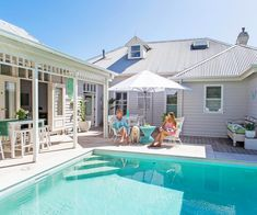 An old weatherboard guesthouse has been transformed into a contemporary Hamptons-style cottage that enjoys a summertime feel year round. Take a tour. Cute Cottage, Beach Cottage Style, Beach Cottage Decor, Coastal Cottage, Coastal Decor, Beach House, Goin Coastal, Hamptons Style Homes, Hamptons House