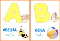 Alfabeto ilustrado com  LIBRAS