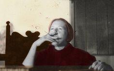 | Como começar a ler a obra de Hilda Hilst | Especialistas falam sobre a linguagem trabalhada em fluxos de consciência da escritora e dão dicas para os iniciantes se aventurarem em seus livros.