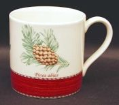 New pristine Wedgwood Sarahs Garden Christmas Mugs at Vintage From Paul for . Christmas Dinnerware, Christmas Mugs, Red Christmas, Sarah's Garden, China Dinnerware, Wedgwood, Crystals, Antiques, Tableware