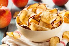 Satisfy Your Sweet Tooth The Right Way: These Cinnamon & Brown Sugar Baked Apple Crisps Are Perfect! - Page 2 of 2 - Recipe Station Baked Apple Crisps, Baked Apples, Dehydrated Apples, Dehydrated Food, Food Swap, A Food, Healthy Chip Alternative, Cinnamon Apple Chips, E Recipe