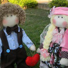 Casal de bonecos russa