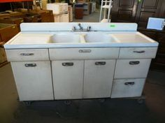 Old Metal White Kitchen Sink Cabinet Idea