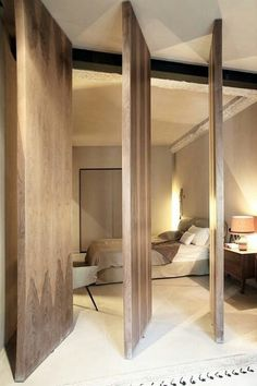 "Clever Doors-to separate ""Art studio"" from living space-idea"