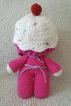 I had so much fun making this little Crochet Cupcake Hat  from Repeat Crafter Me's Pattern . I did do several modifications though and adde...