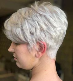 100 Mind-Blowing Short Hairstyles for Fine Hair Short Cropped Hair, Short Thin Hair, Short Grey Hair, Short Hair With Layers, Short Hair Styles, Short Cuts, Long Pixie Cuts, V Cuts, Short Hair Older Women
